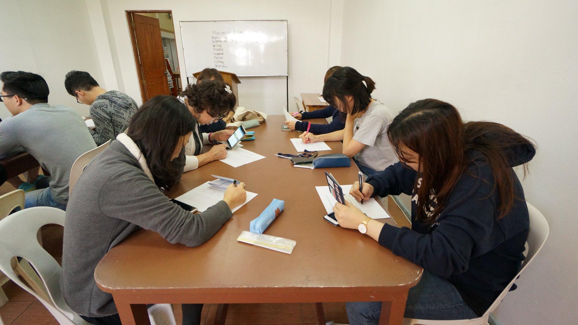 Khóa học IELTS đảm bảo tại trường Anh ngữ TALK