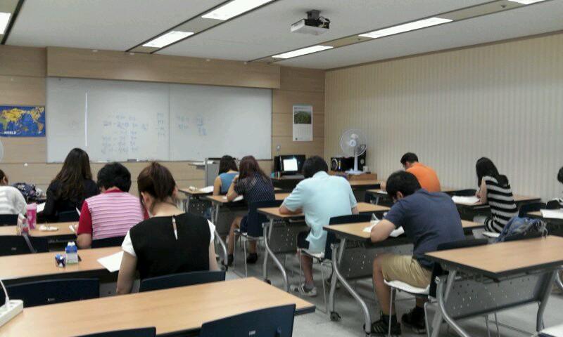 Lớp học tiếng Nhật, Hàn miễn phí tại CIA